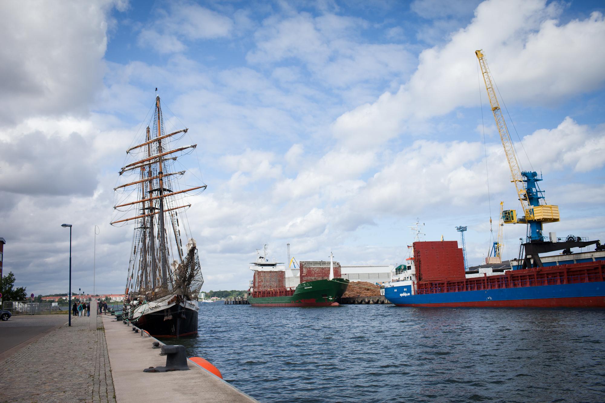 Fridjof Nanson im Hafen in Wismar. 31. 7. 2015. Charlotte Strauss auf dem Schiff Fridjof Nanson wo sie ihren Ausbildungsturn om 31. 7 bis 5. 8 absolviert. Fotograf: Evi Lemberger