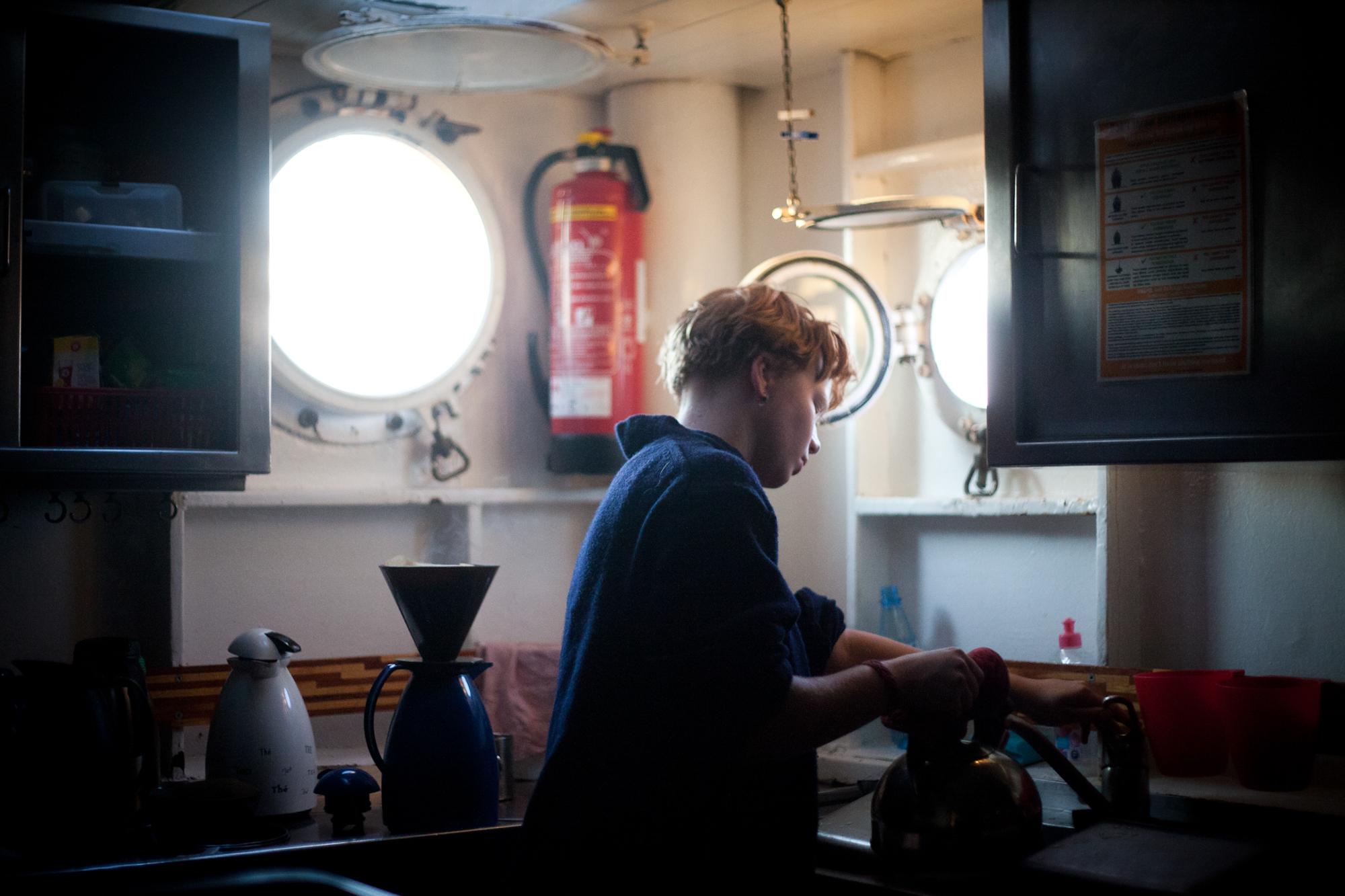 Charlotte Strauss auf dem Schiff Fridjof Nanson wo sie ihren Ausbildungsturn om 31. 7 bis 5. 8 absolviert. Fotograf: Evi Lemberger