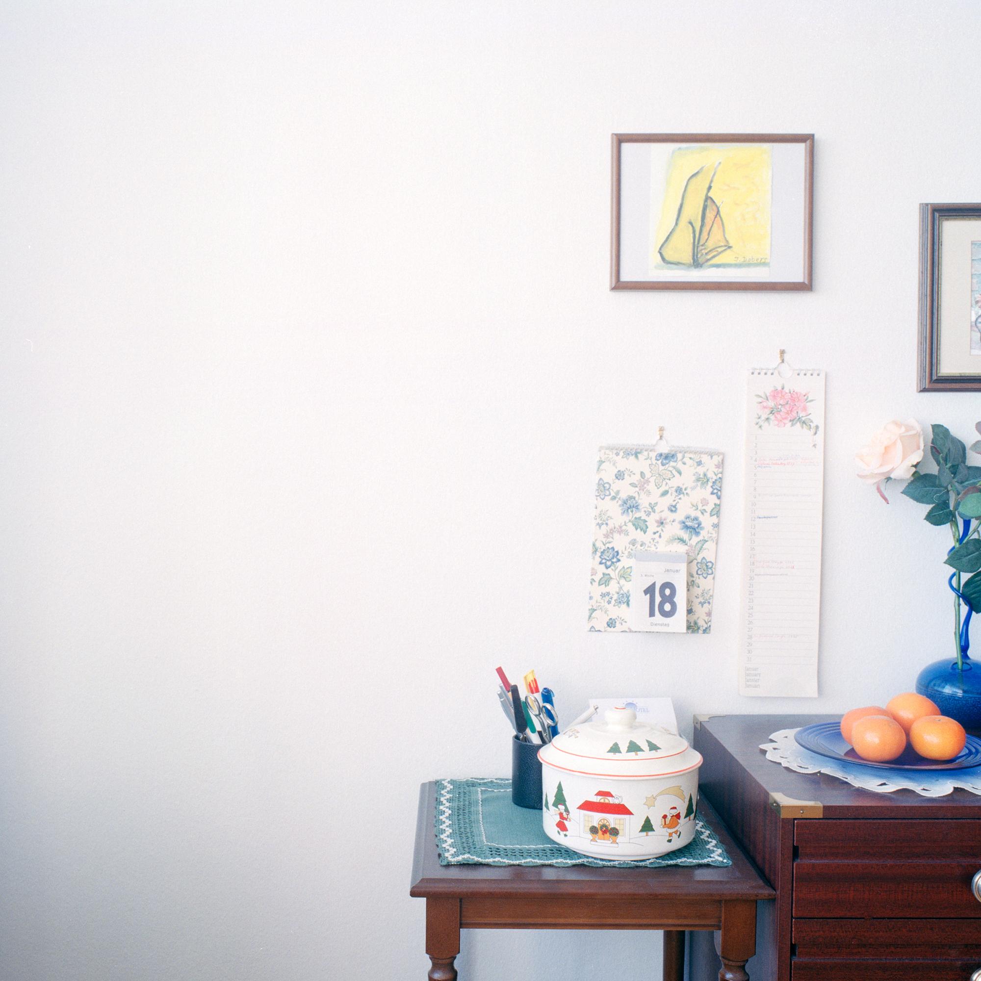 Fritz- Kistler Haus, Pasing. Innenraum des Zimmers von Frau Ilse Doberes in der Einrichtung Fritz- KIstler Haus in der Schmaedelstrasse 29, Muenchen am 17. Januar 2011. Frau Dobres ist 85 und weohnt seit Maerz 2010 in diesem Zimmer. Fotograf Evi Lemberger