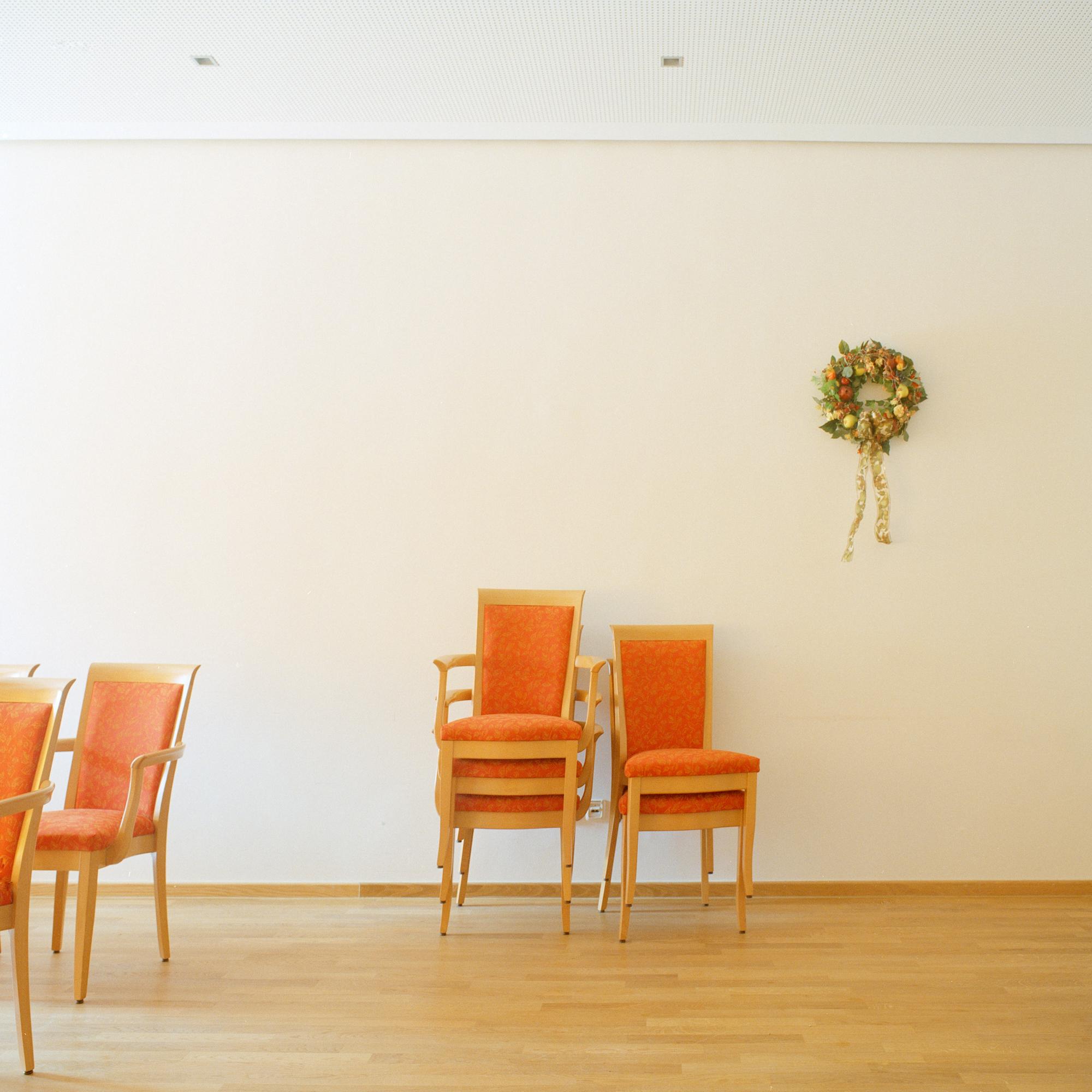 Georg Brauchle Haus, Muenchen. Kleiner Saal im Georg Brauchle Haus in der Staudingerstrasse 58 in Munchen am 18. Januar 2011. Der kleine Saal ist ein Teilbereich des grossen Saals, der durch eine Trennwand bei Bedarf von dem Rest des Saales getrennt werden. Fotograf: Evi Lemberger
