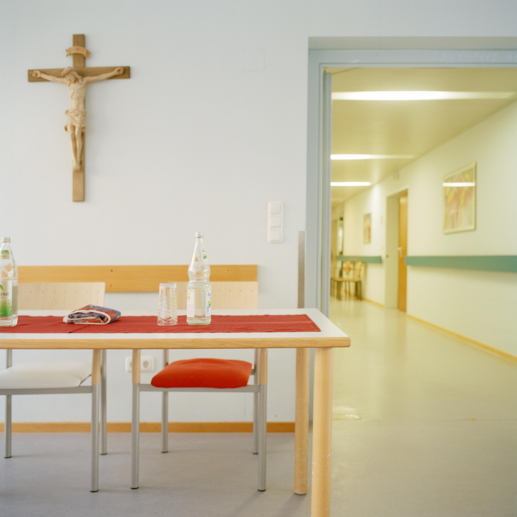 Marienstift, München. Ess- und Gemeinschaftsraum im Altenheim Marienstift Muenchen in der Klugstrasse 144, Muenchen am 17. Januar 2011. Fotograf Evi Lemberger