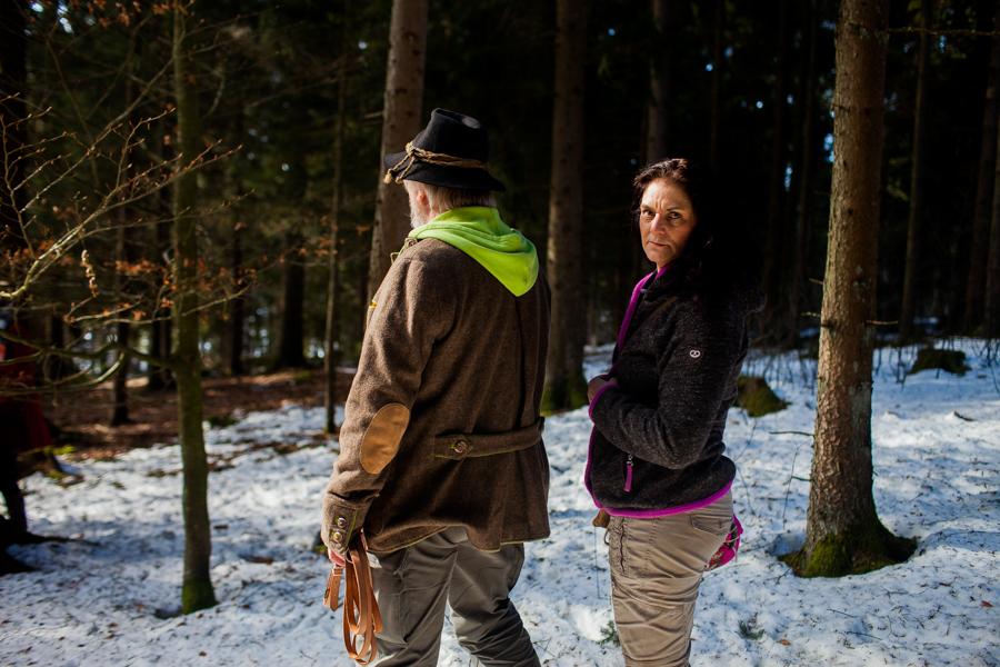 Portrait von Thomas Stern und Karolin Hirsch. Thomas Stern und Karoline Hirsch bei einem Spaziergang.