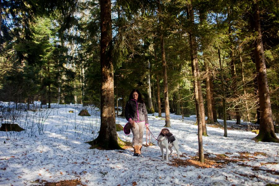 Portrait von Karoline Hirsch.Thomas Stern und Karoline Hirsch bei einem Spaziergang.