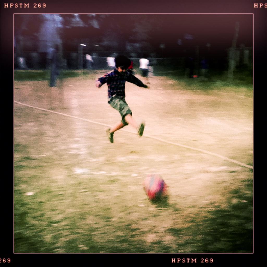 04-14012012-football-abahniplayground-dhaka-i343-2